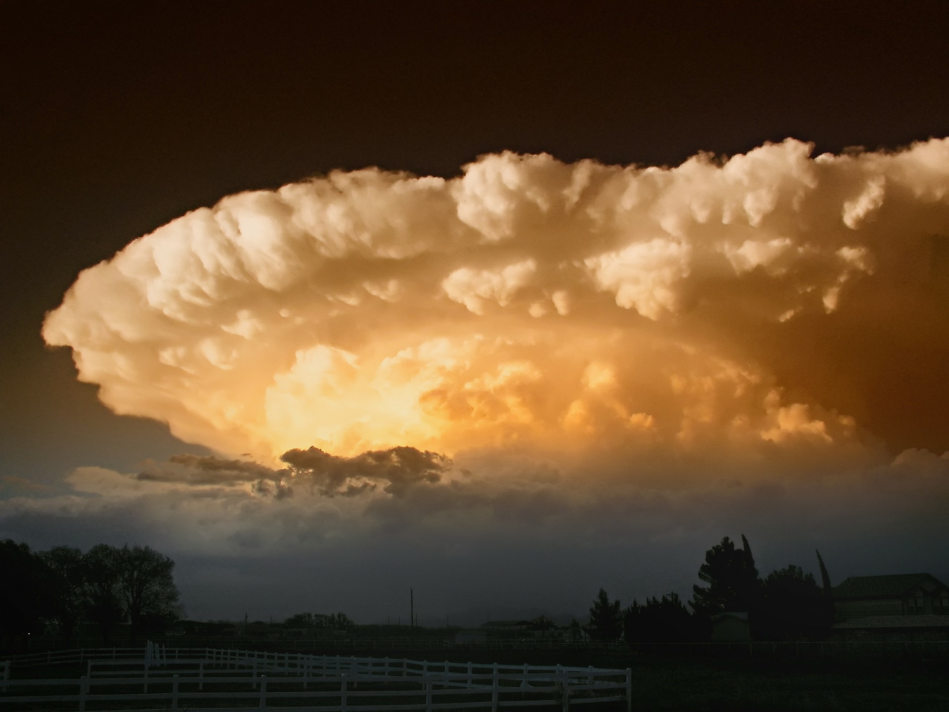 supercell-139398_1920